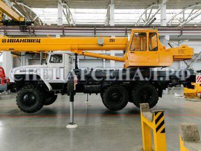 Автокран КС45717-3В